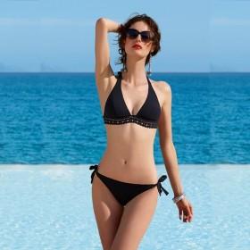 Sujetador bikini triángulo. Ajourage COUTURE